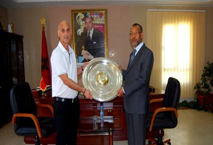 تأخر منحة المجلس البلدي لفريق المغرب التطواني تجر أبرون إلى الاكتتاب