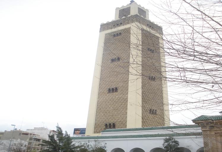 خطير.. منع مصلين من أداء صلاة التراويح بمسجد الأمة في تطوان