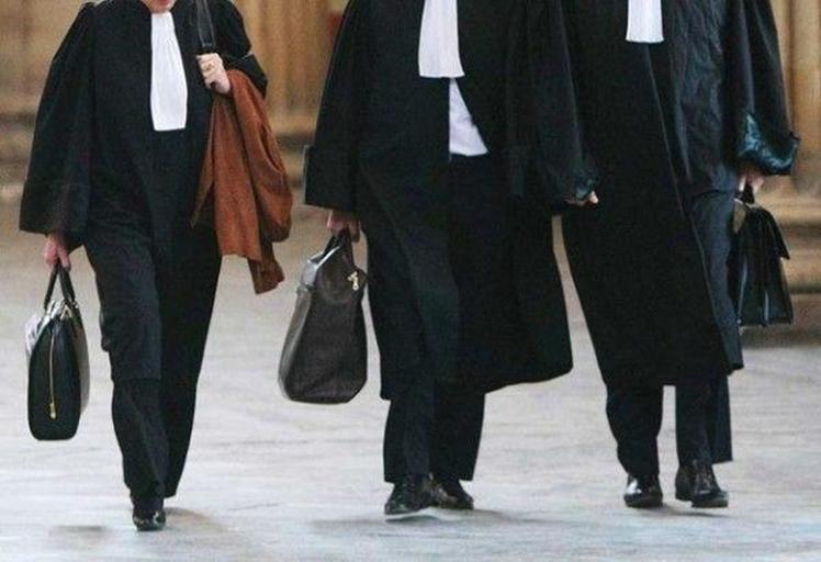 """الفرقة الولائية تباشر التحقيق في """"اختلاسات"""" بنقابة المحامين بتطوان"""