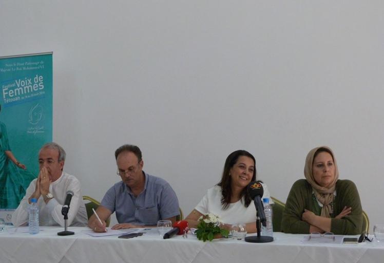 مهرجان أصوات نسائية يهرب ندوة المهرجان إلى الفنيدق