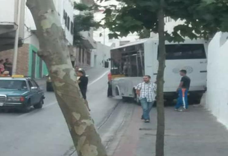 """فيديو: سائق حافلة """"فيطاليس"""" بتطوان يخرج عن صمته بتصريحات خطيرة!!"""