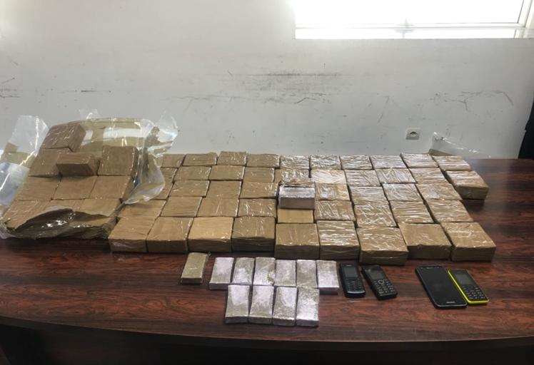 حجز 42 كيلوغراما من مخدر الشيرا بميناء طنجة المتوسط