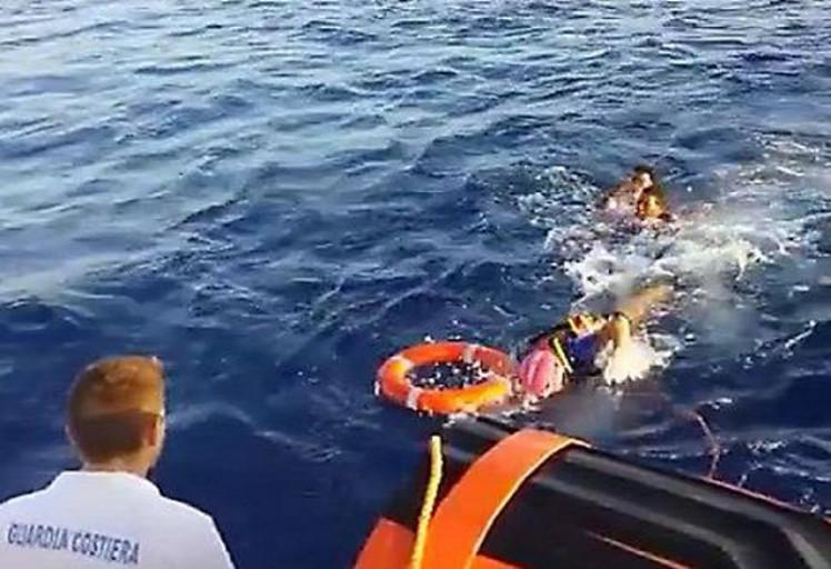 غرق مهاجرتين أثناء محاولتهما دخول سبتة بحرا